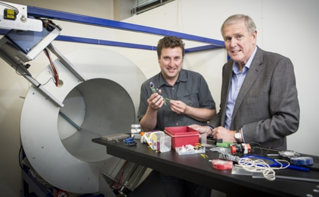 Creators of MARS spectral X-ray scanner, Phil Butler (right) and Anthony Butler. (Source: University of Canterbury)