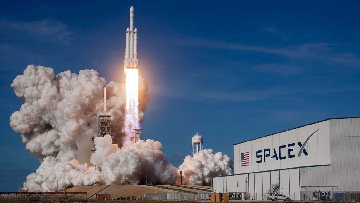 """SpaceX's """"Falcon Heavy"""" Lifts Off Into Space"""