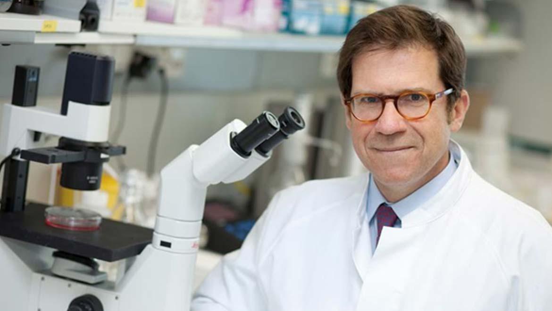 Giulio Superti-Furga in CeMM laboratory