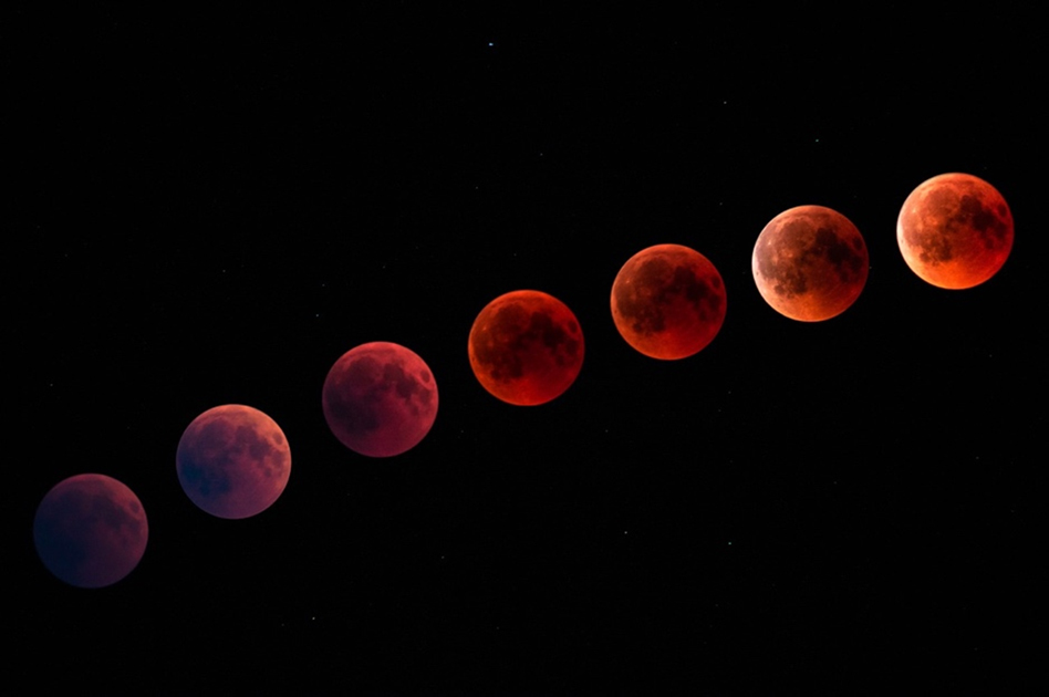Weekend's Super Blood 'Wolf' Moon Was Also Decade's Last