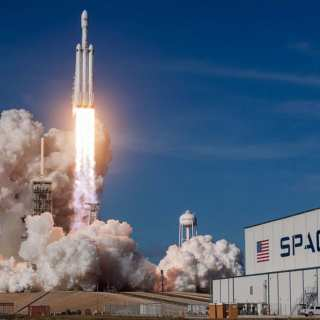 "SpaceX's ""Falcon Heavy"" Lifts Off Into Space"